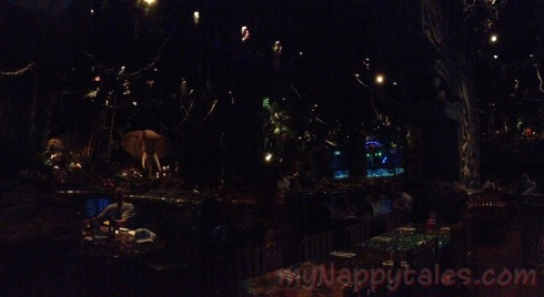 RainForestCafeRestaurantView