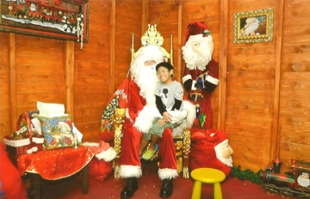 LittleMan V with Wafi Santa