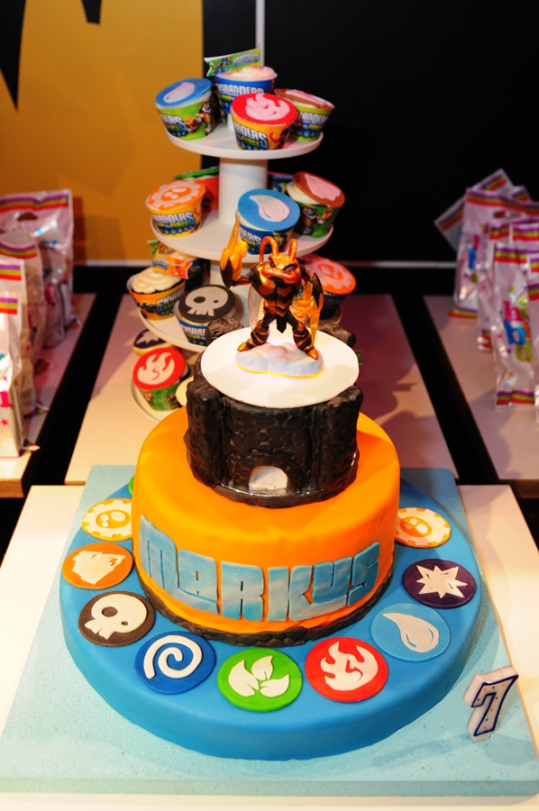 Light Up Skylanders Portal of Power Cake