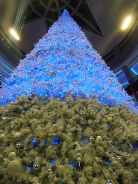 Dubai Mall Christmas Tree