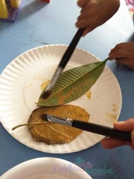 Paint Leaves