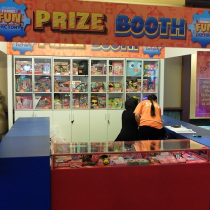 Atlantis Fun Factory Prize Booth
