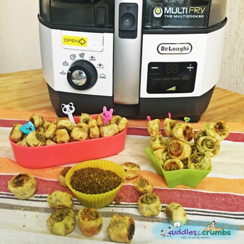 Recipe Zaatar Feta Pinwheels with DeLonghi Multifry