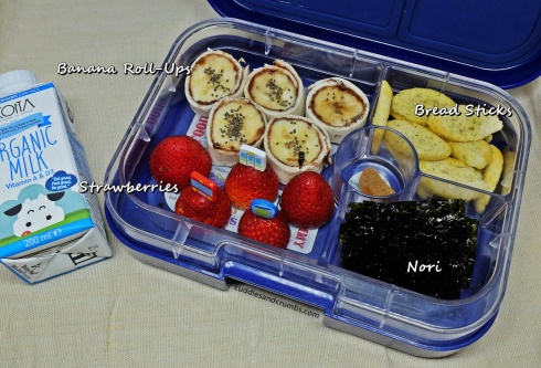 1006-bananarollups-strawberry-bento-lunch