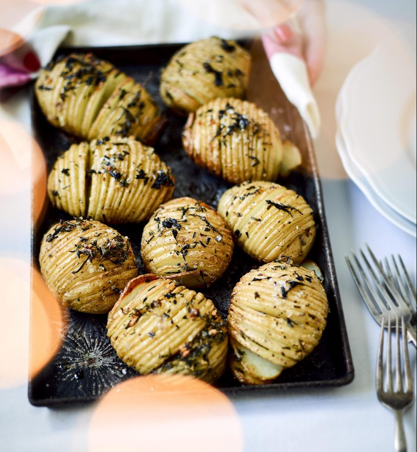 garlic-and-herb-hasselback-potatoes