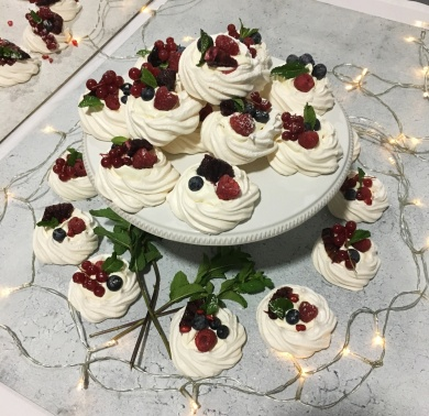 spinneys-christmas-meringue