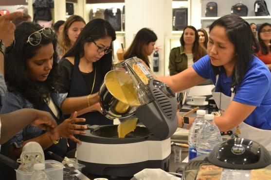 De'Longhi MultiFry Cooking Demo a