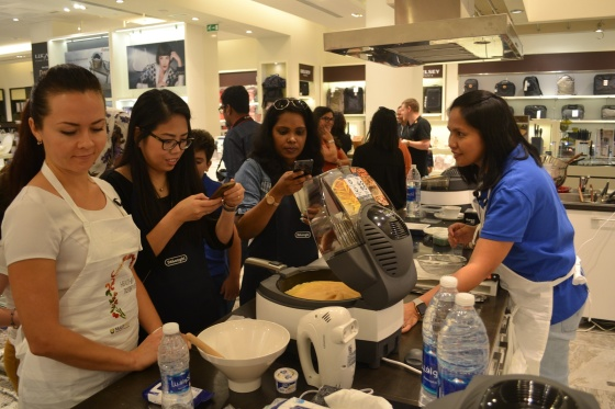 De'Longhi MultiFry Cooking Demo c